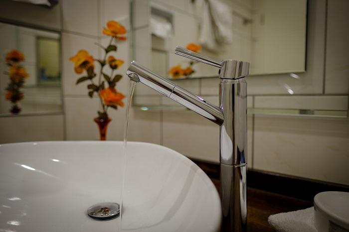 Rekonštrukcia malej kúpeľne má svoje výhody